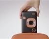 Instax mini LiPlay: hybridní foťák s tiskárnou a zápisem zvuku do fotografie