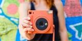 Instax Square SQ1 – instantní novinka v minimalistickém provedení od Fujifilmu