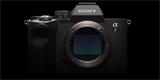 Sony Alpha 7 IV přichází s novým snímačem a pokročilými funkcemi, výrobce přidává i dvojici blesků