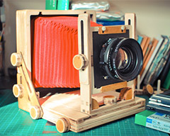 The Intrepid 4×5 Camera – velkoformát za babku